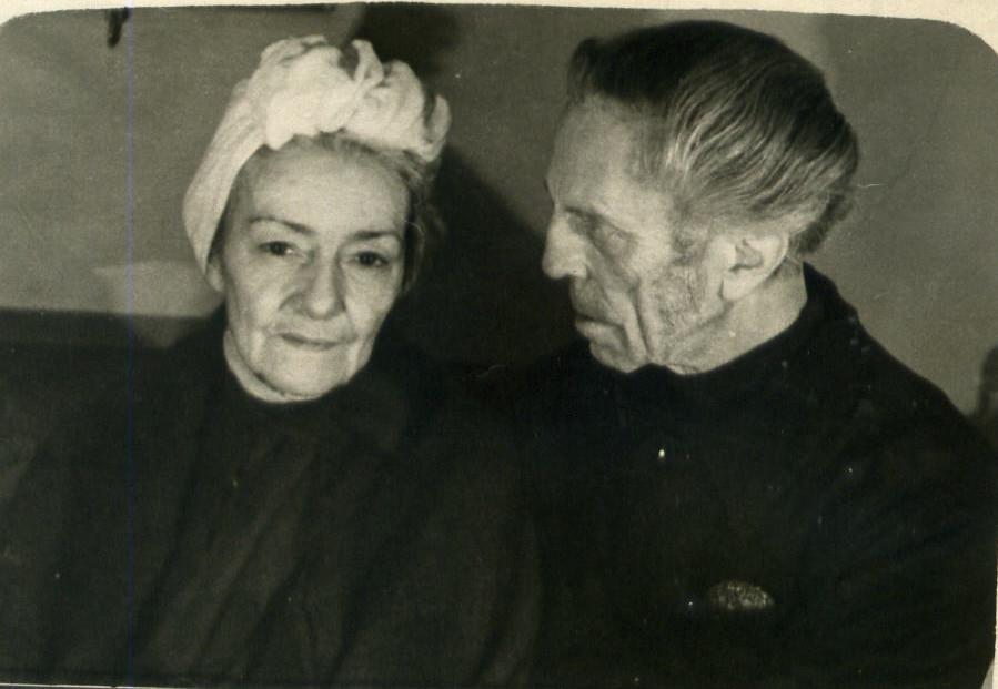 Подружжя Барвінських після заслання