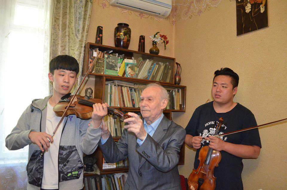 З китайськими студентами